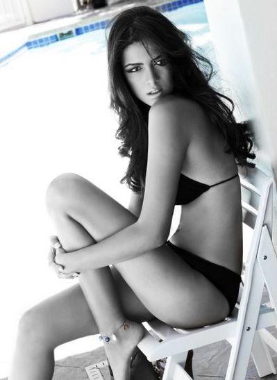 Donia Hamed en route pour le titre de Miss Univers 2010 ce soir  Donia Hamed